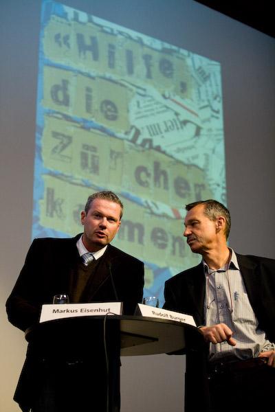 Markus Eisenhut, Co-Chefredaktor <<Berner Zeitung>>, und Rudolf Burger, Vize-Chefredaktor <<Der Bund>>, am 17. Berner Medientag im Kornhausforum Bern zum Thema <<Hilfe die Zurcher kommen! Wie weiter nach dem Tamedia-Deal?>>. (C) Daniel Bernet