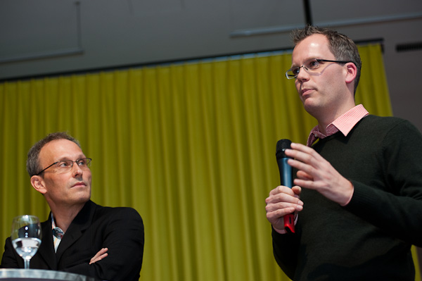 Urs Rueb (Media Plus AG) und Beat Soltermann (Radio DRS) am 19. Berner Medientag zum Thema <<Ausgepresste Presse - ist die abonnierte Zeitung am Ende?>> im Radiostudio Bern.