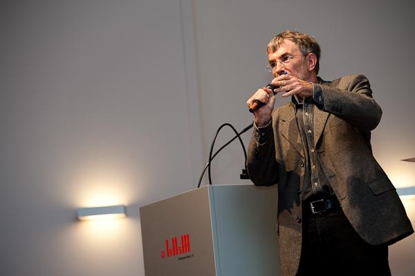 Hanspeter Sporri (Publizist) am 19. Berner Medientag zum Thema <<Ausgepresste Presse - ist die abonnierte Zeitung am Ende?>> im Radiostudio Bern.