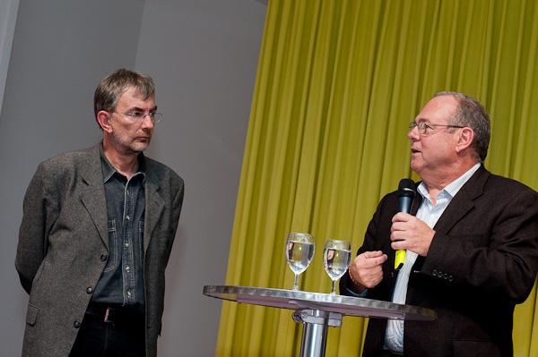 Hanspeter Sporri (Publizist) und Artur K. Vogel (Chefredaktor Der Bund) am 19. Berner Medientag zum Thema <<Ausgepresste Presse - ist die abonnierte Zeitung am Ende?>> im Radiostudio Bern.