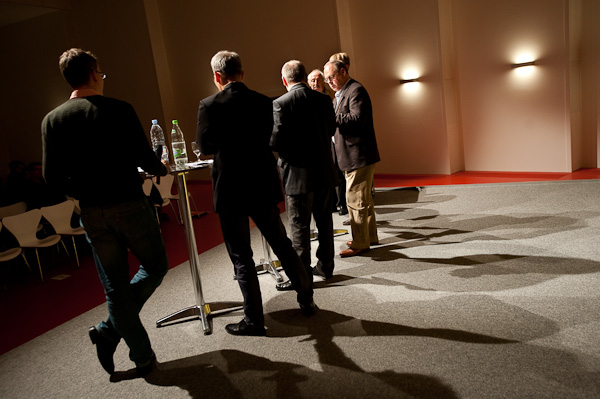 Beat Soltermann (Radio DRS), Urs Rueb (Media Plus AG), Ueli Eckstein (Espace Media Groupe), Roland Jeanneret, Artur K. Vogel (Chefredaktor Der Bund) und This Born (Berner Zeitung) am 19. Berner Medientag zum Thema <<Ausgepresste Presse - ist die abonnierte Zeitung am Ende?>> im Radiostudio Bern.